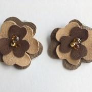 clipsuri pentru pantofi floare piele maro sashaccessories