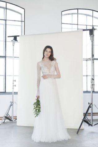 divine-2018_lookbook_tiara-2_4223-683x1024
