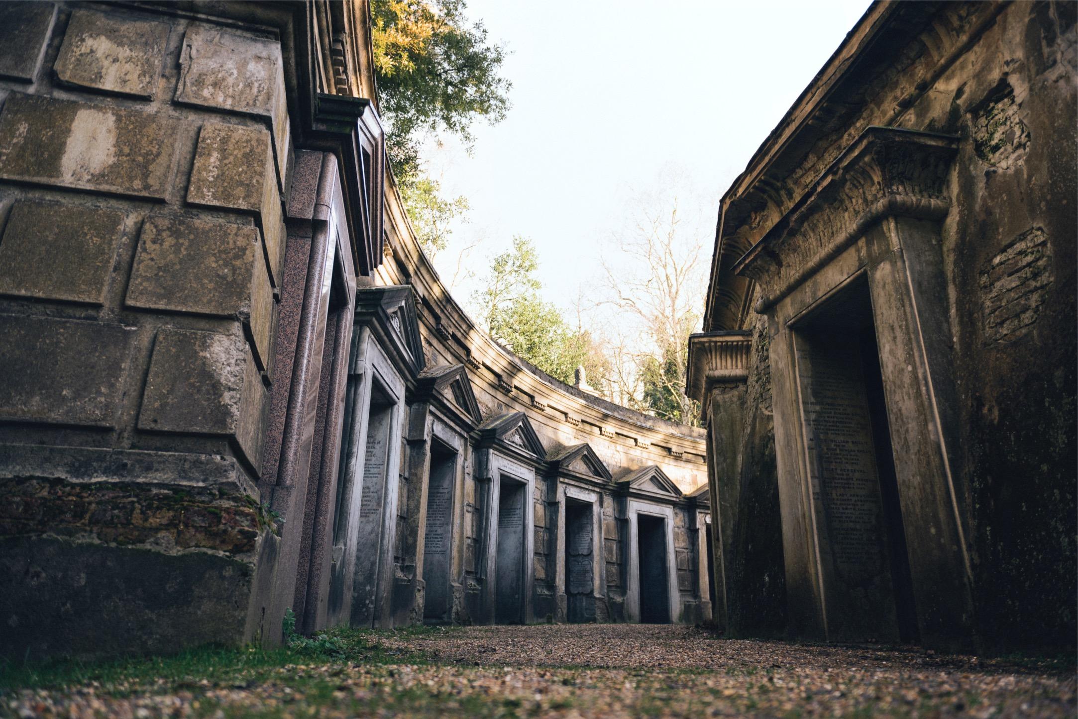 London Cementeries Halloween 2016 Highgate Cemetery - creative commons taken by Elizabeth Ellis