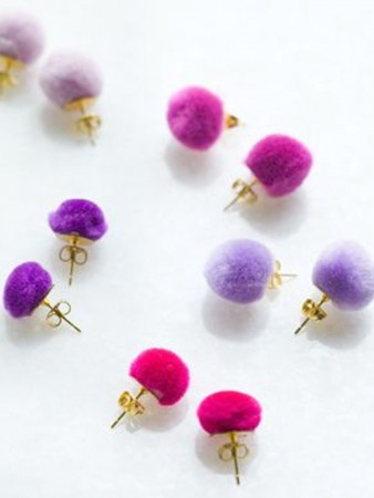 earrings with pompoms