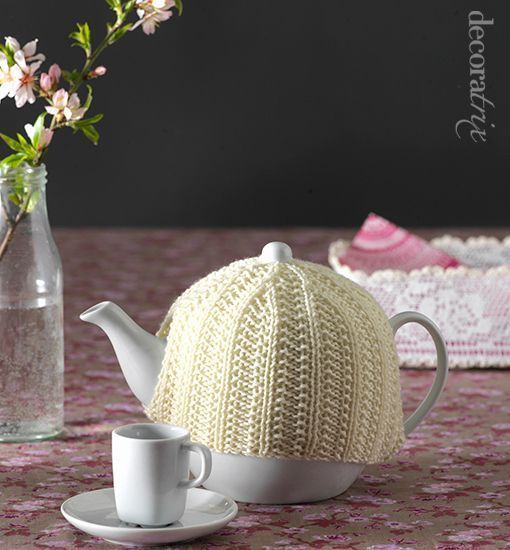 Teapot knitted cover