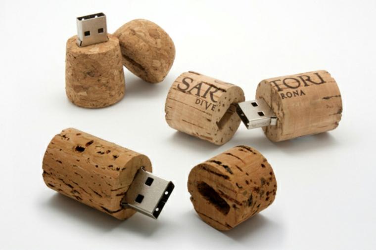 Cork pen drive