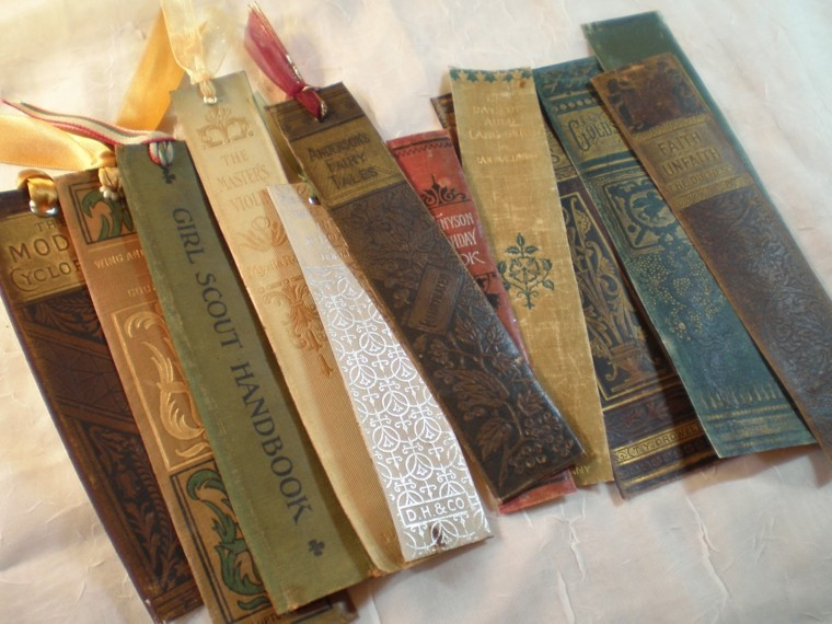 pasta bookmarks old books titles
