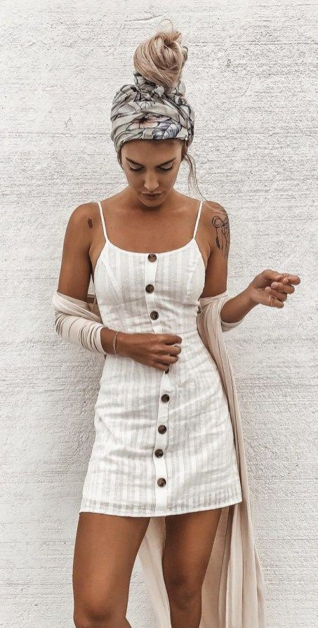 This is one of the linen trendy summer outfits! #summeroutfits #linendress #head...