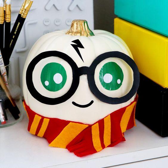 Harry Potter pumpkin decoration