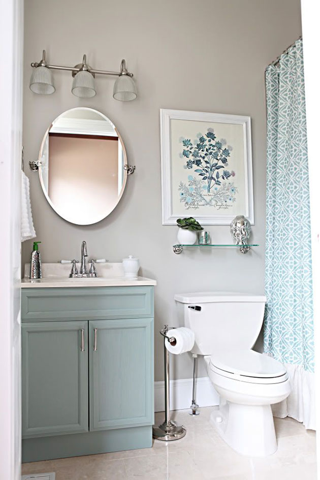 Small and modern and relaxing bathroom