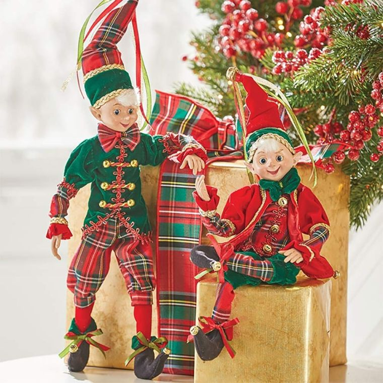 Christmas elves couple