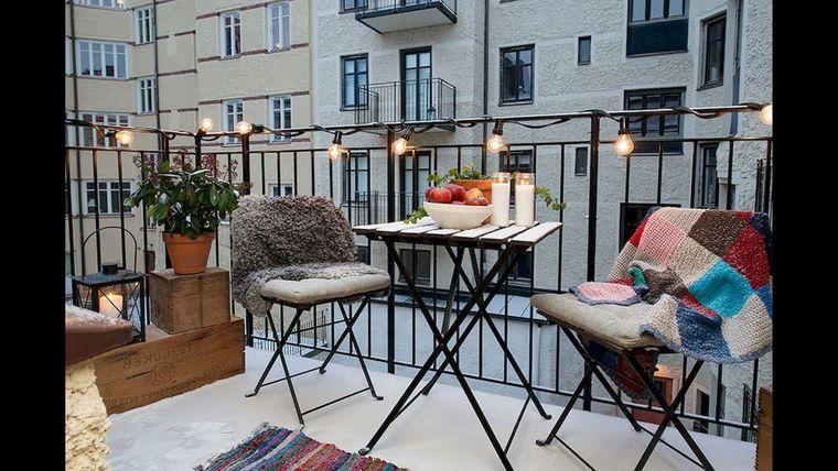 decorate balcony small blankets