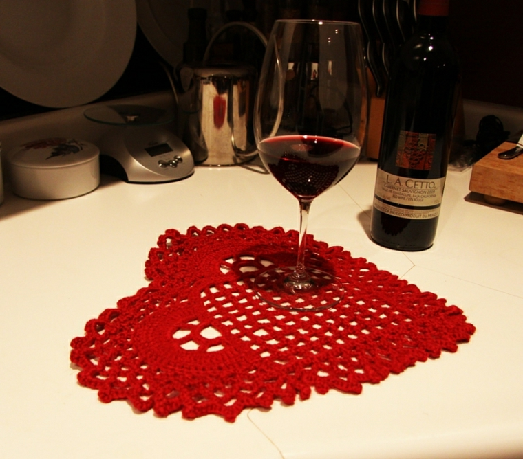 tablecloth-heart-for-Valentine