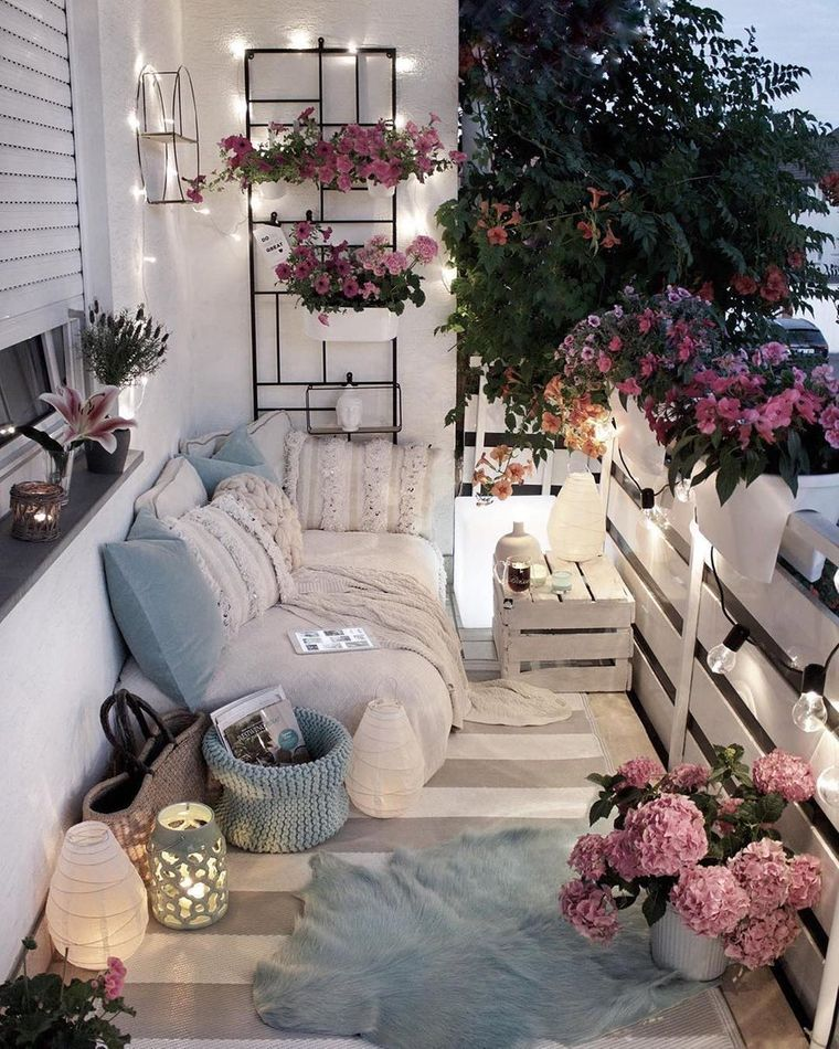 decorate small relaxing balcony