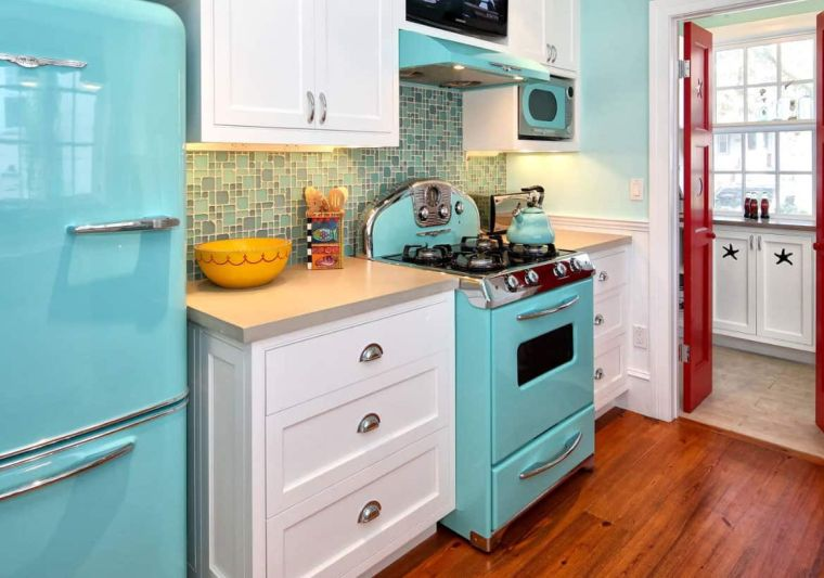 small kitchens hardwood floors