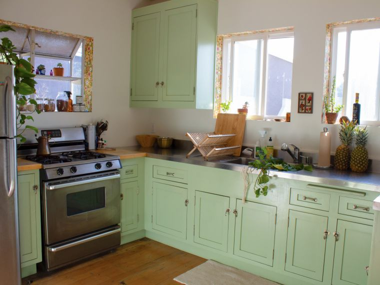 small green kitchens
