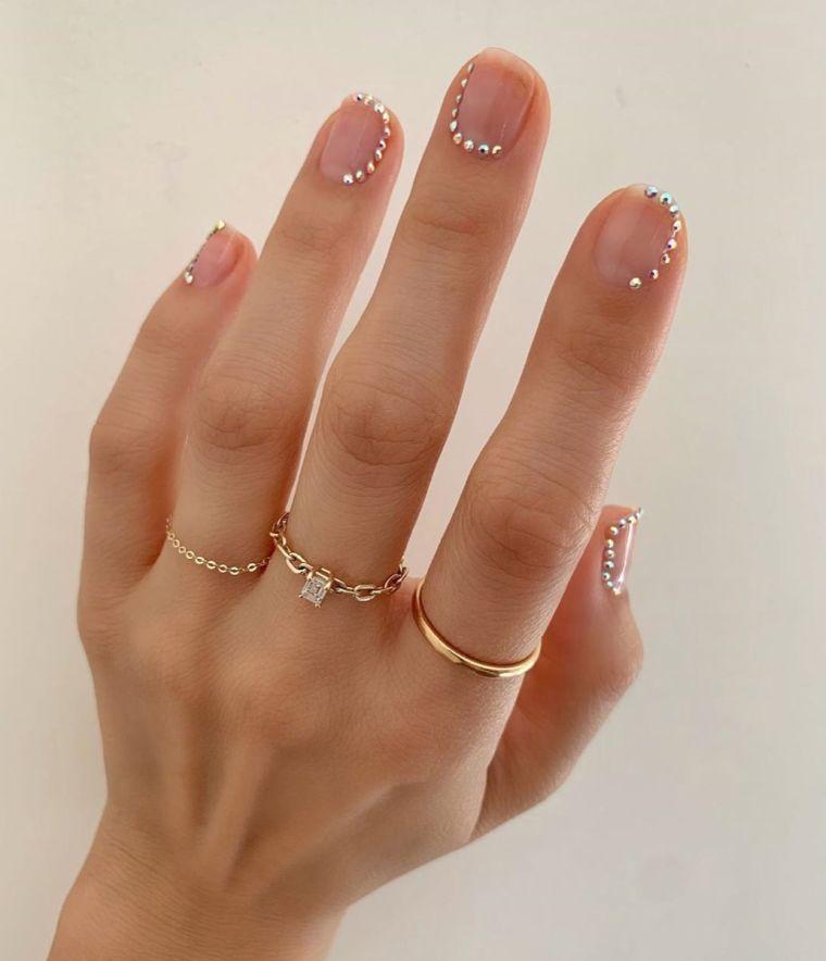 trends-manicure-2020-precious-stones