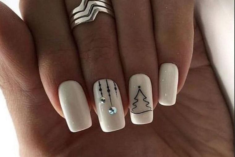 Simple Christmas Nail Designs