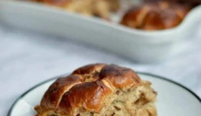 hot cross bun bread and butter pudding