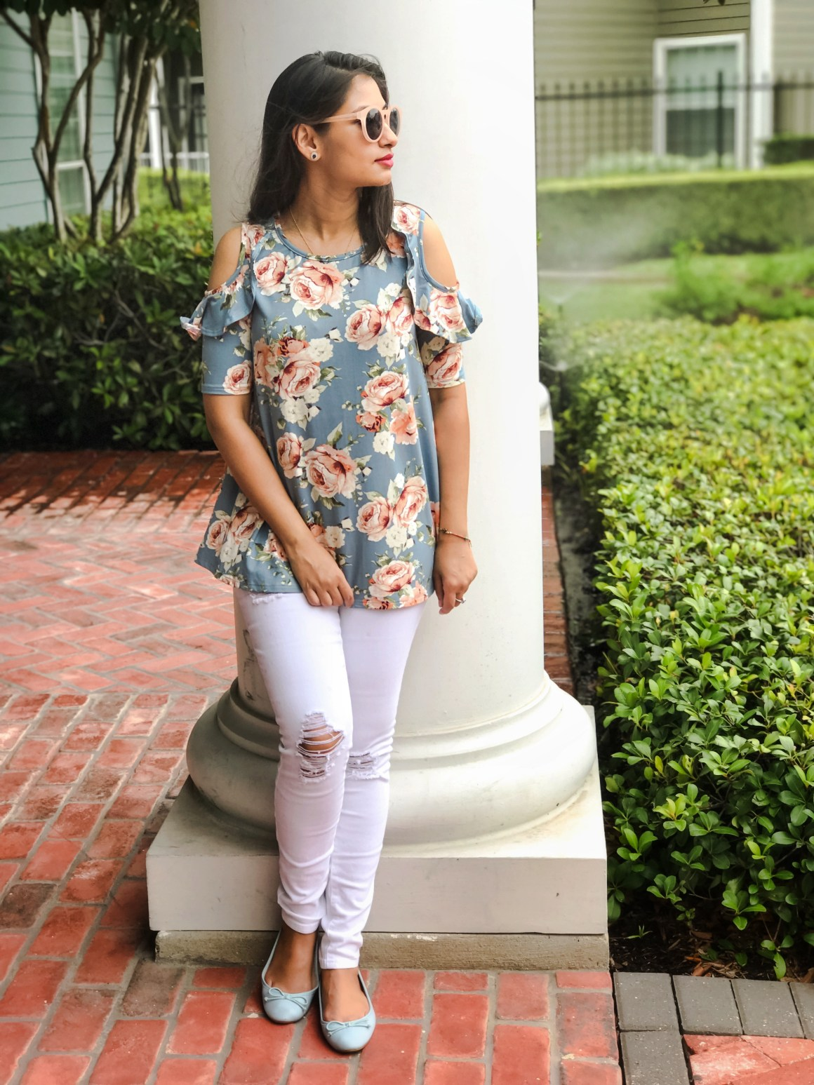 Center of Attention floral top and white jeans