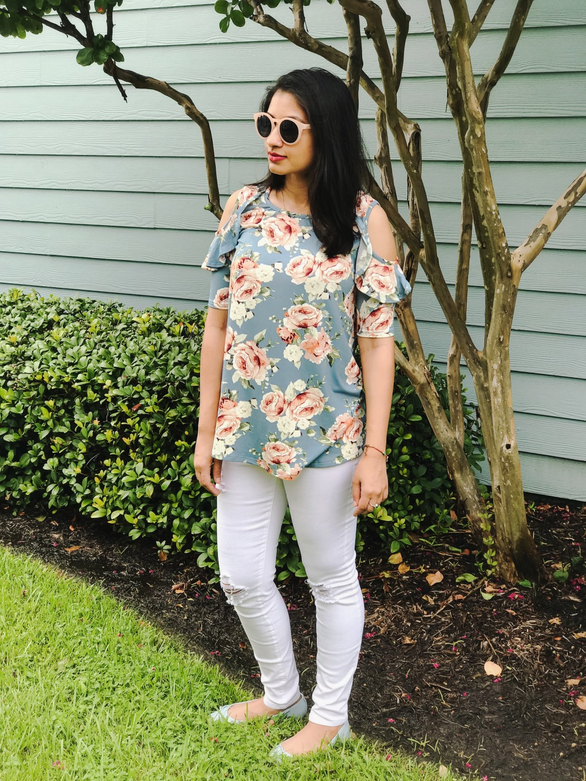 Center of Attention - Floral top & white jeans