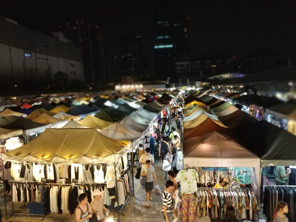 Rot Fai Market near Ratchada