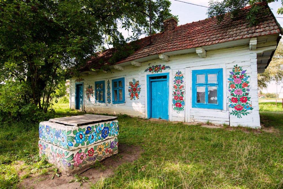The former home of Polish folk artistFelicja Curyłowa in Zalipie, Poland.