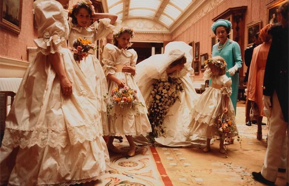 Patrick Lichfield, India Amanda Caroline Hicks; Sarah-Jane Gaselee; Diana, Princess of Wales; Clementine Hambro; Queen Elizabeth II, 29 July 1981, cibachrome print, National Portrait Gallery, London. © Patrick Lichfield