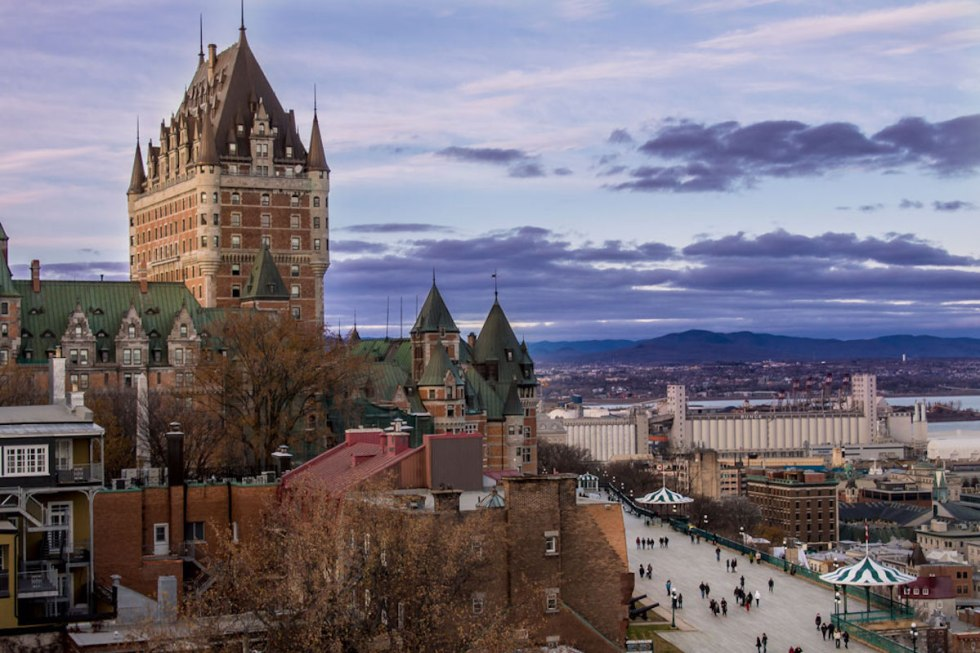 Fairmont Le Château Frontenac and Terrasse Dufferin in Québec City, Canada.