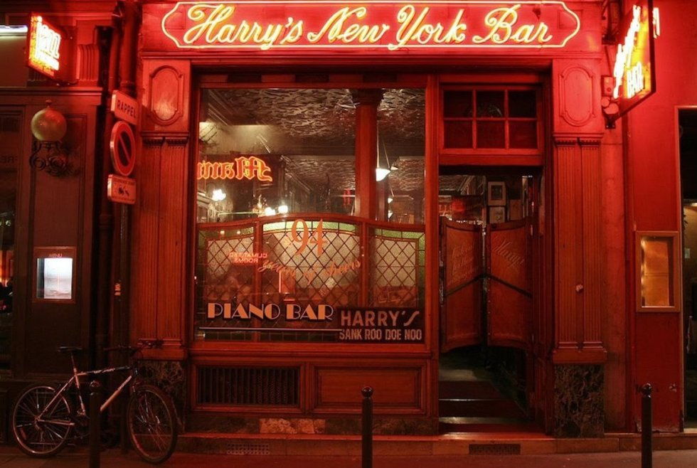 Harry's New York Bar exterior in Paris, France.