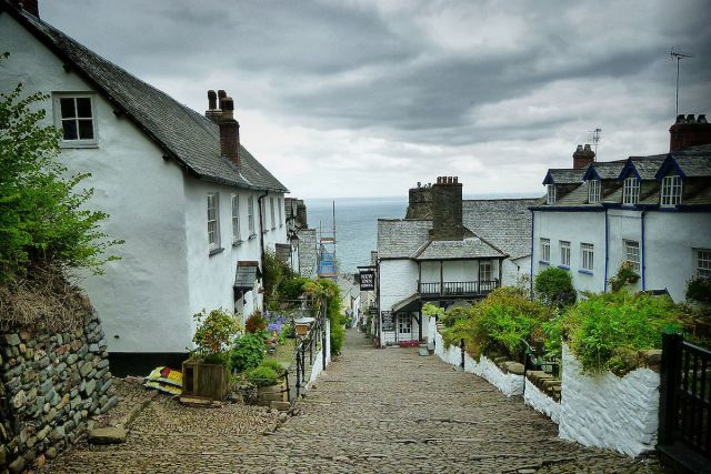 Clovelly's steeply cobbled street