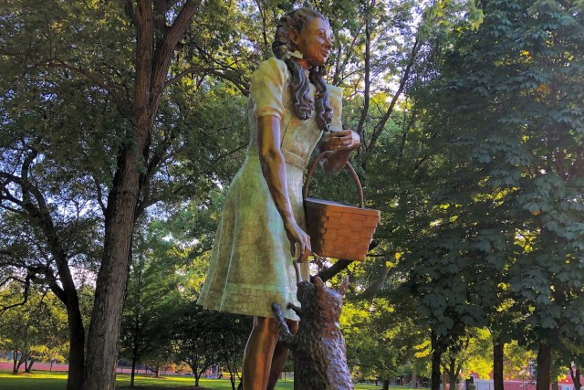 Dorothy and Toto statue, Oz Park, Chicago, Illinois.