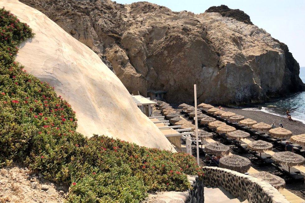 Akro Beach Bar property at Mesa Pigadia Beach in Santorini