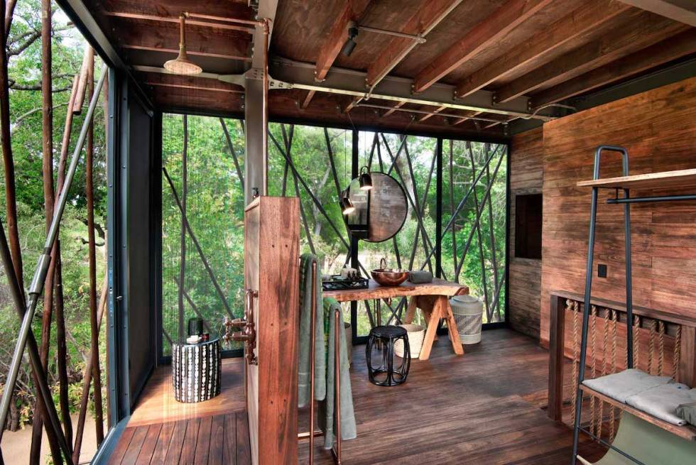 Ngala Treehouse deluxe shower and dress