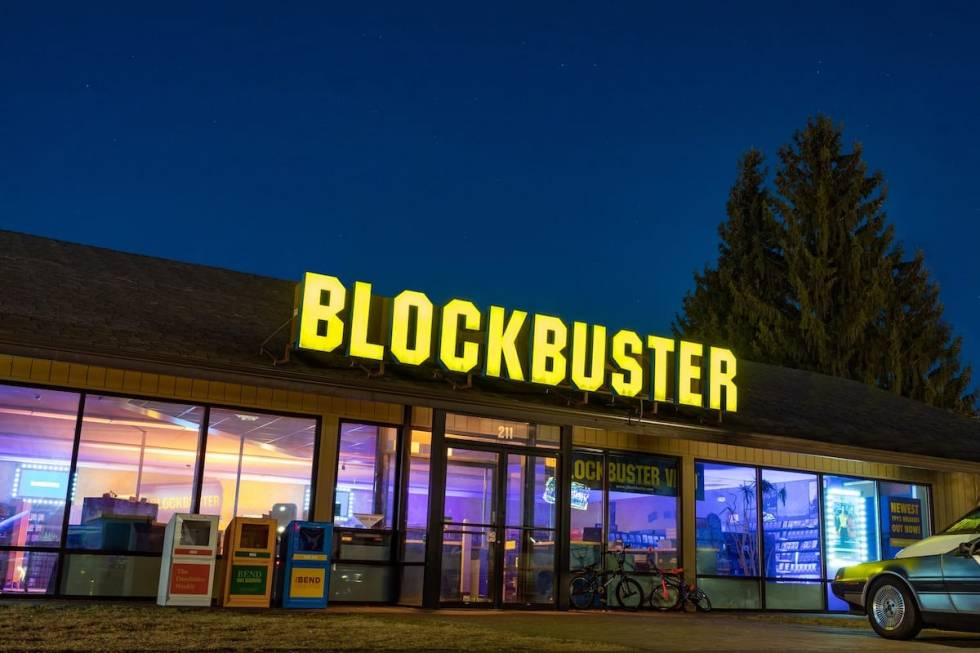 the exterior of the world's last Blockbuster store in Bend, Oregon