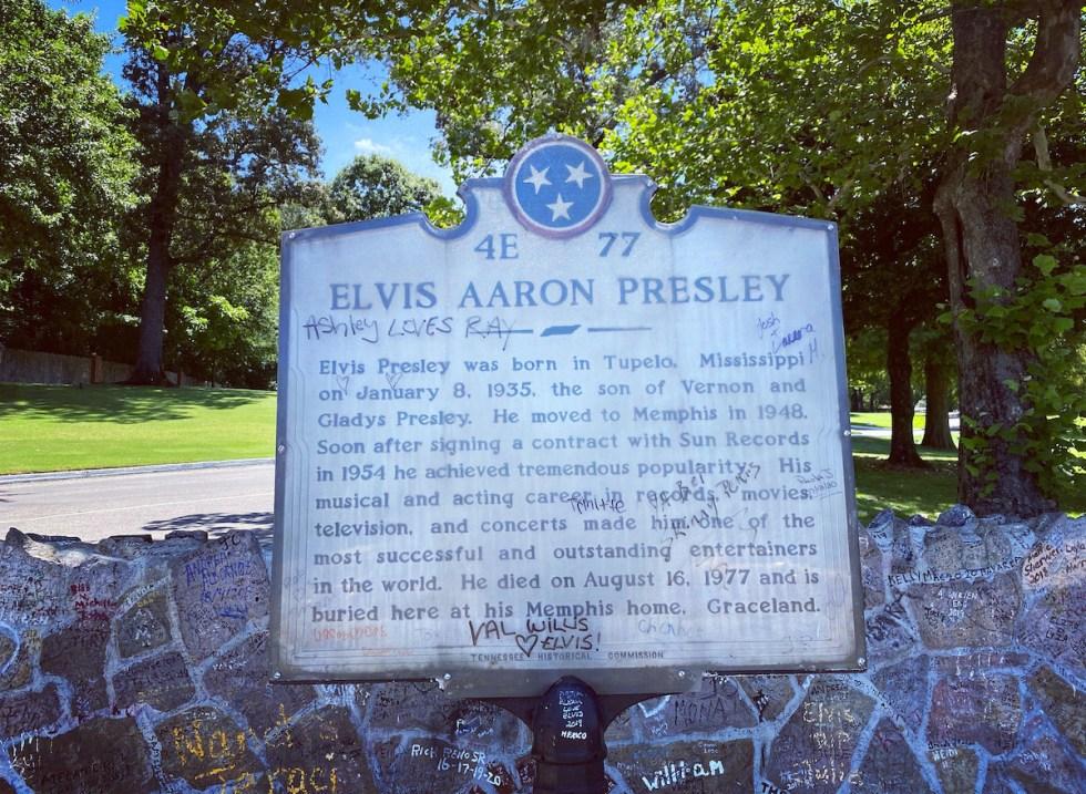 sign outside Elvis' mansion