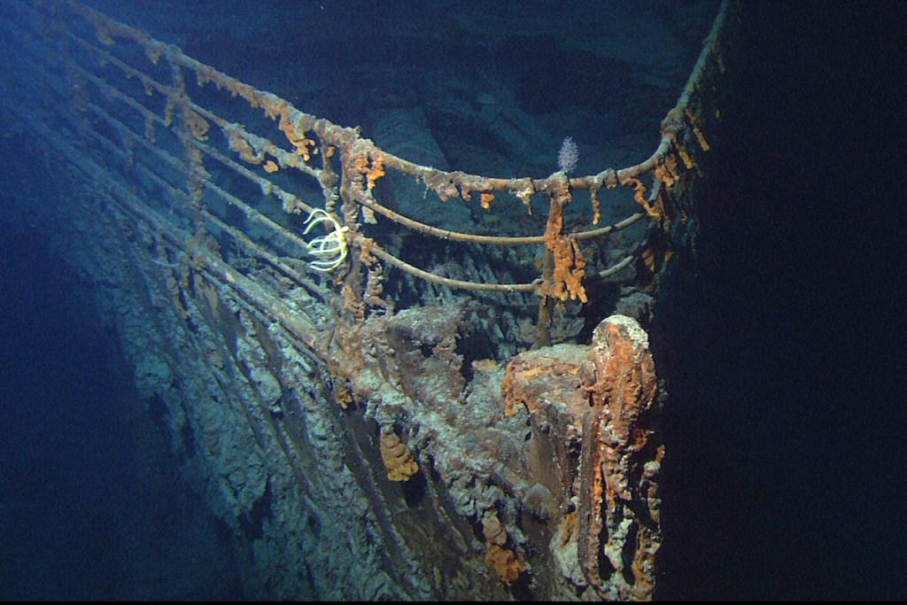 2020/12/titanic-shipwreck-bow.jpg