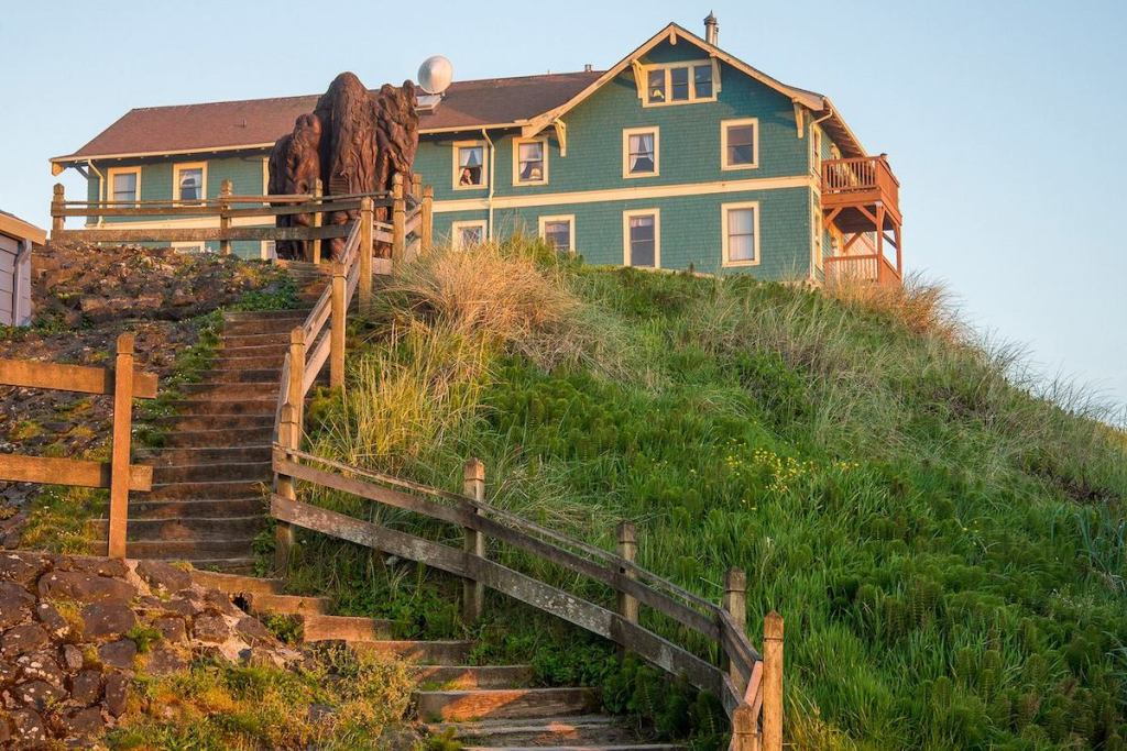 2021/01/sylvia-beach-hotel-newport-oregon.jpg?fit=1200,800&ssl=1