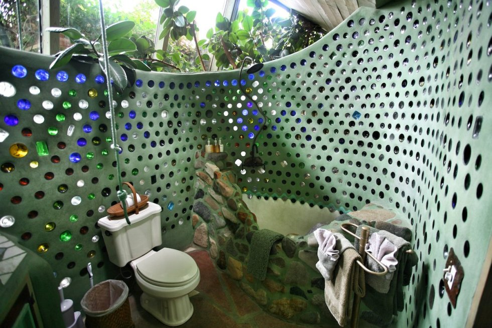 2021/02/bathroom-greater-world-earthship-community.jpeg?fit=1200,800&ssl=1