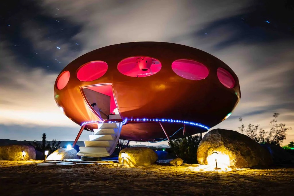 2021/03/area-55-futuro-house-copy.jpg?fit=1200,800&ssl=1