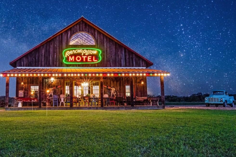Rancho Pillow Round Top TX