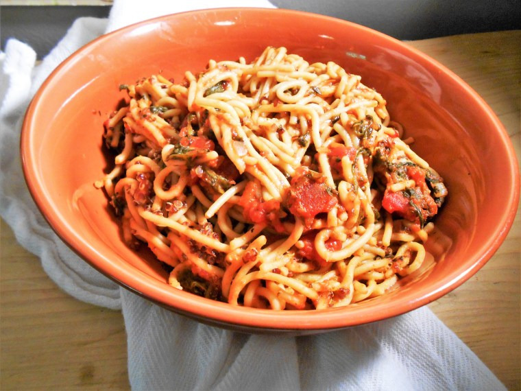spaghetti, quinoa, spinach, fire-roasted diced tomatoes, vegan, healthy recipes