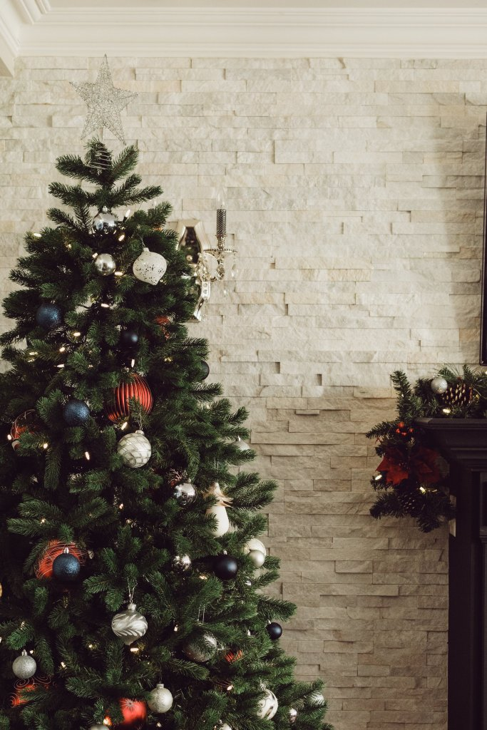 Christmas, holiday, Thanksgiving, emotional health, mental health, anxiety, holiday aspect, living with and healing from trauma, blogger, podcaster, speaker, writer, blog