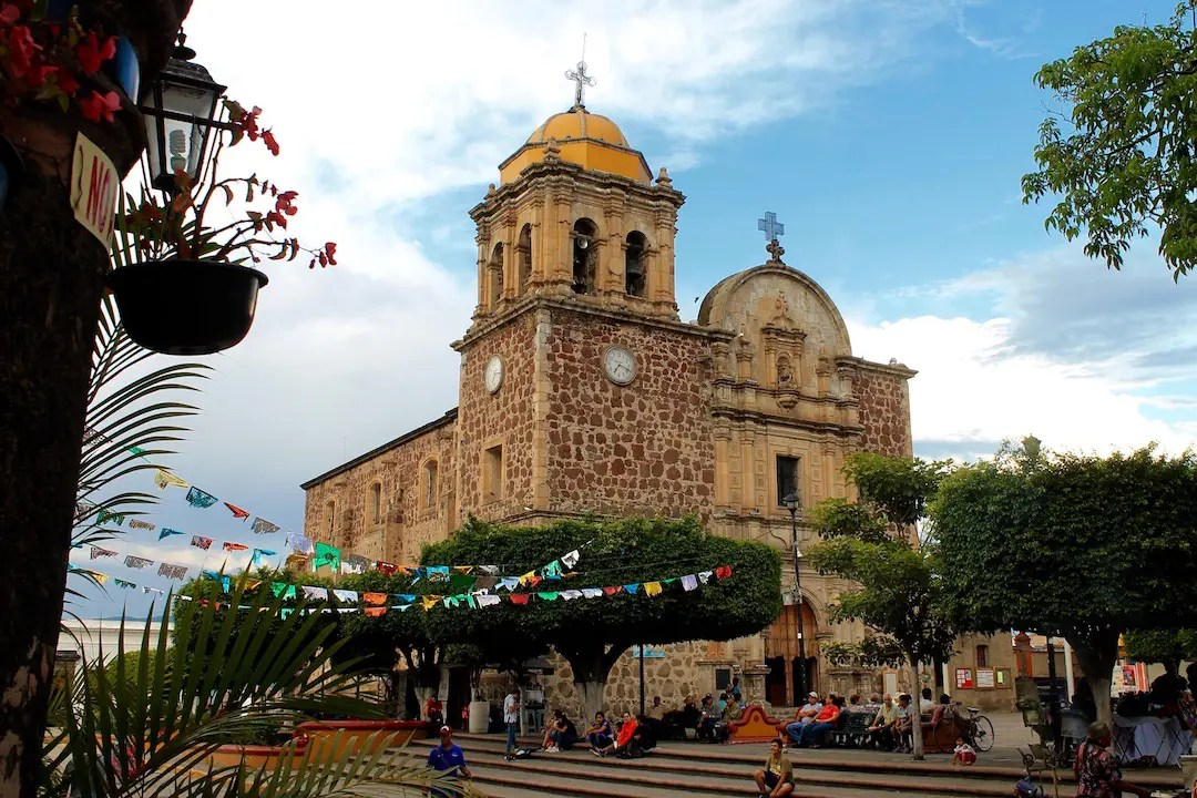 La Parroquia Santiago Apóstol, the main church, on the town square of Tequila