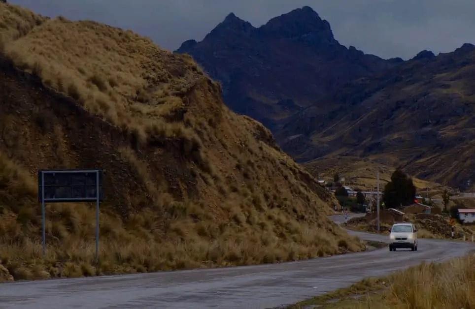 Driving in Peru along Ruta 28b