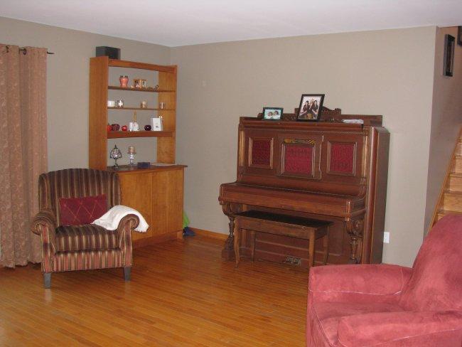 Clear oak hardwood floors