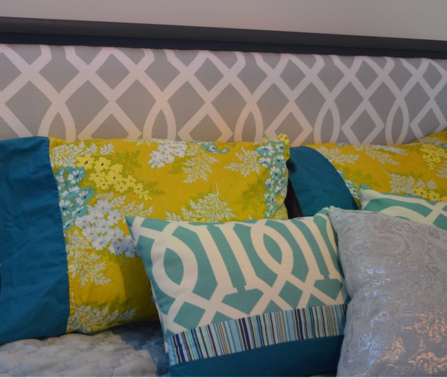 turquoise and yellow accent pillows