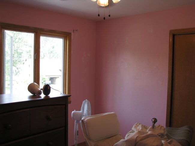 Pink bedroom before picture
