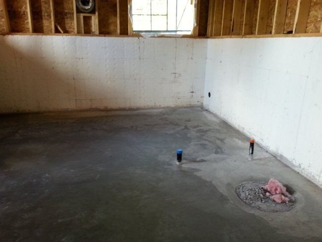 Insulated concrete forms basement with in-floor heat