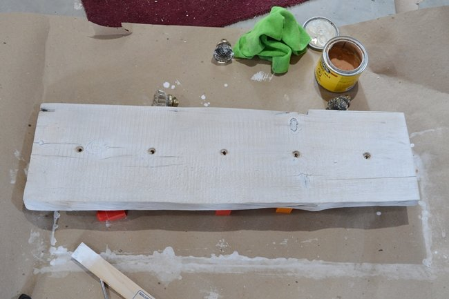 Whitewash barnboard with Annie Sloan chalk paint