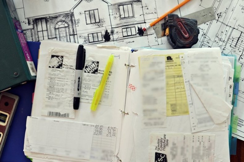 How to organize your finances when you build a house plus for Tips for building a house on a budget
