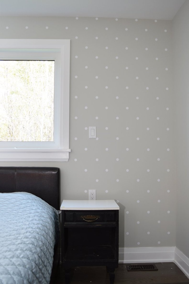 polka dot master bedrrom accent wall vinly wall decals