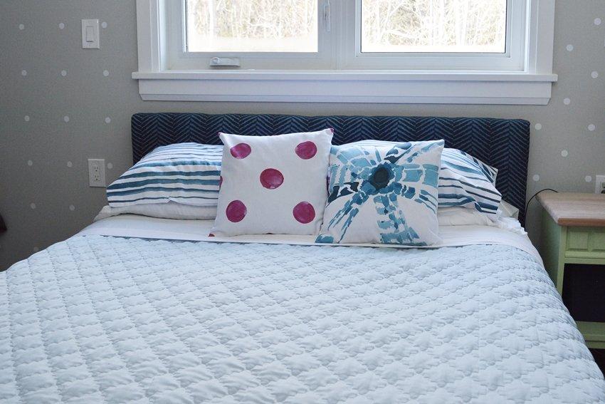 master bedroom pillow arrangements