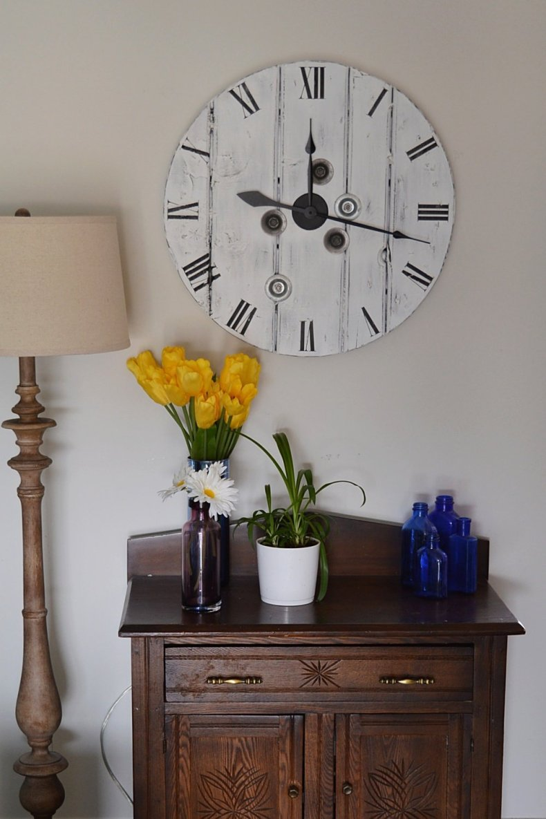 how to make a farmhouse clock from a wood cable reel